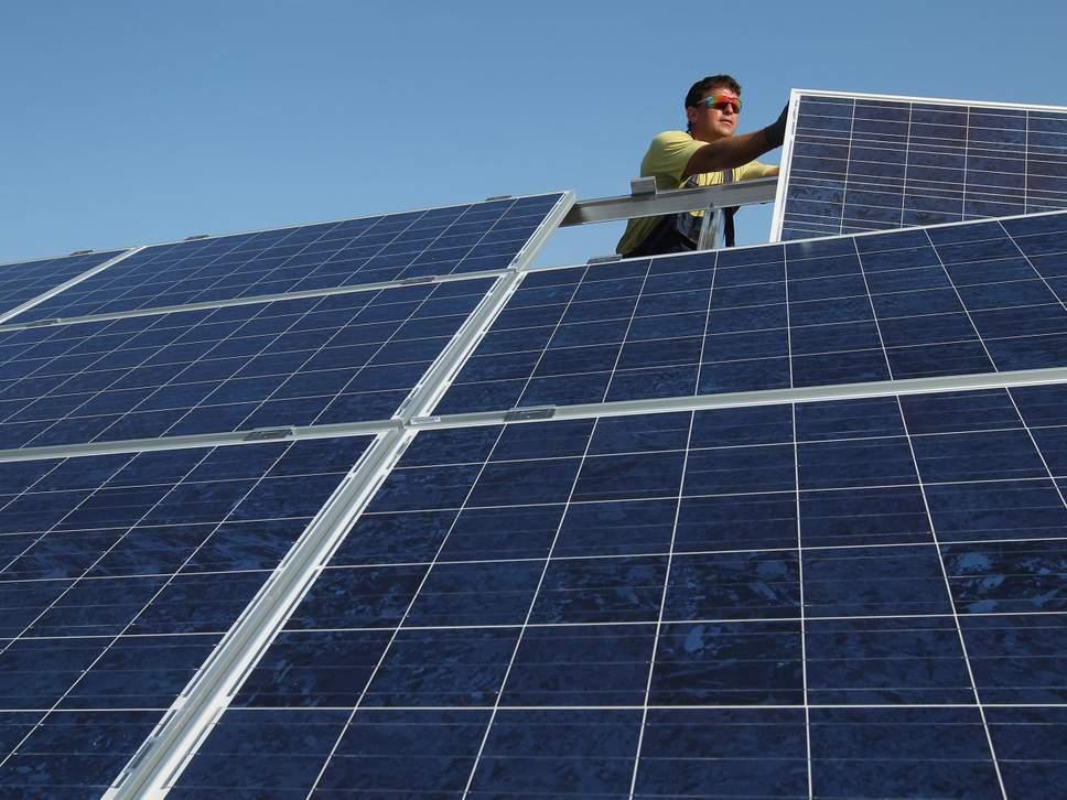 solar-panels-install